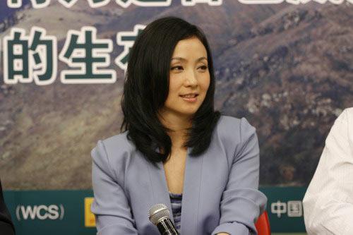 北京妇女儿童基金会的宣传大使、著名演员陶虹女士