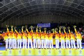 图文:男子手球颁奖仪式举行 冠军江苏队合影