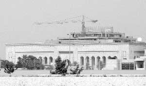 还在建设中的美驻伊新使馆资料图片 新华社/法新