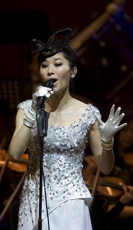 今年1月9日,尚雯婕曾在东方艺术中心开唱。
