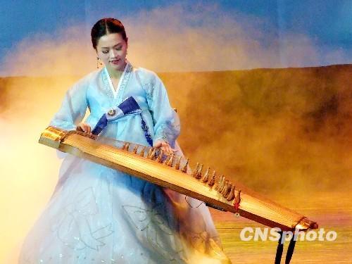 组图:朝鲜平壤艺术团南宁歌舞演出