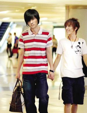网友ps的郭敬明(右)和韩寒牵手图