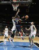 NBA图:骑士杀破狼迎首胜 莫不传空中闪转腾挪