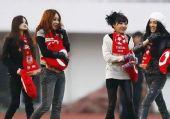 图文:[中超]长春3-2重庆 女球迷魅力各异