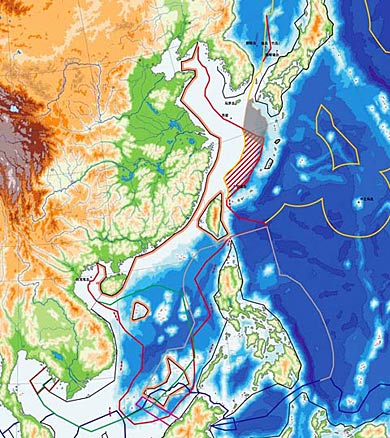 东亚地区是世界上领海、经济专属区及大陆架争议最为激烈的地区,图为各国海疆划界争议。