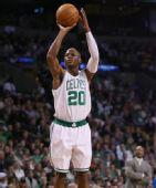 NBA图:凯尔特人胜黄蜂 雷阿伦姿势标准