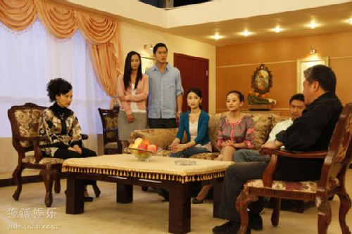 图:《娘家的故事》精彩剧照 沈家家庭会议