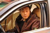 图文:[中超]鲁能主帅告别 高尧在车内送别
