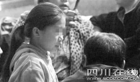 女孩放学回家发现闹离婚父母双双身亡