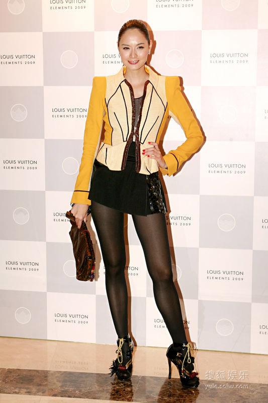 11月2日,Ana.R出席LV新店开幕礼。