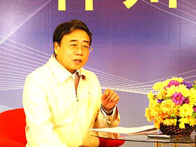内蒙古农村信用联社党委书记理事长佟铁顺(图)