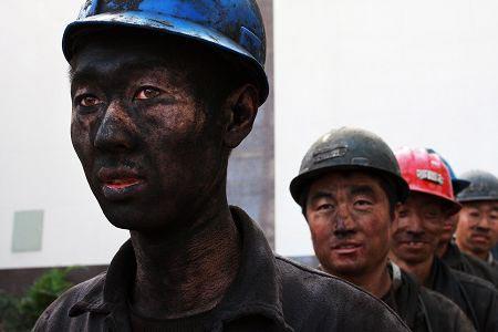 """山西煤炭行业重组被认为是典型的""""国进民退""""案例。"""