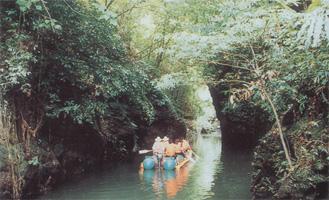 图文:环岛赛海南岛风情 万泉湖旅游度假区