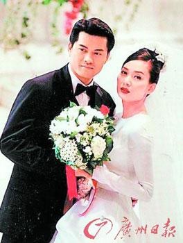 1996年,吕良伟迎娶歌星邝美云,但两人只摆酒,未登记,一年后分手。