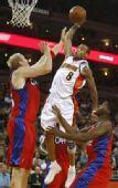 图文:[NBA]快船战胜勇士 艾利斯飞身扣篮