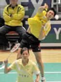 图文:香港羽毛球公开赛次日 陈宏麟后场扣杀