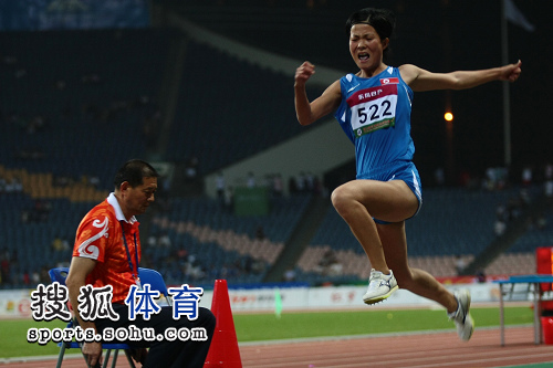 图文:田径亚锦赛首日 女子跳远朝鲜选手