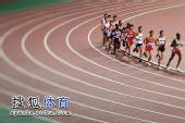 图文:田径亚锦赛男子5000米 竞争趋白热化
