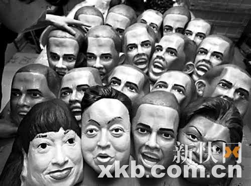 日本市场上开始热销奥巴马夫妇和鸠山夫妇的玩偶头像