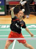 图文:香港羽球赛第三日赛况 王适娴网前回球