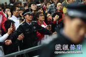 图文:刘翔成就亚锦赛三冠王 观众热情高涨