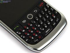 320万全键盘商务 黑莓8900仅售2300元