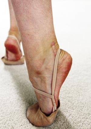受伤的左脚