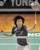 图文:香港超级赛半决赛战况 蒋燕皎网前进攻