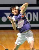 图文:香港超级赛半决赛战况 鲍春来跃起回球
