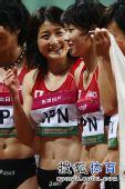 图文:亚锦赛赛场频现丽影 日本美女握拳微笑