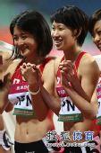 图文:亚锦赛赛场频现丽影 日本美女笑容满面