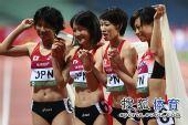 图文:亚锦赛赛场频现丽影 日本美女集体合影