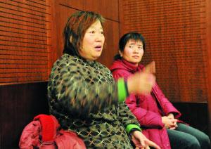 死者家属在庭上情绪十分激动。首席摄影记者 吴宁/摄