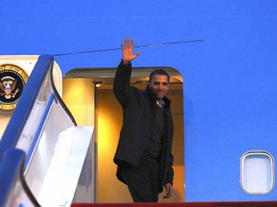 11月18日,北京首都国际机场,美国总统奥巴马结束访华行程离开北京。 中新社发 盛佳鹏 摄