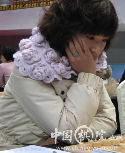 广东队棋手文静参加女子团体专业组比赛