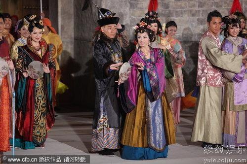 图:TVB万千星辉贺台庆:林保怡米雪携手出场