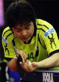 图文:乒乓球亚锦赛单项赛 岸川圣也发球
