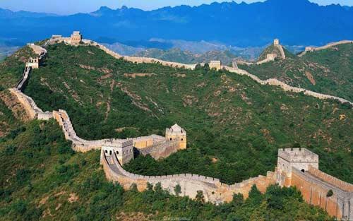 万里长城不是一天建成的,当然也不会轻易被动摇
