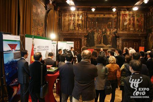 中国驻比利时大使张援远在开幕仪式上致辞