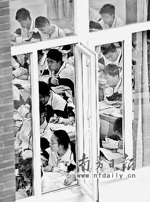 资料图片:试水六年的自主招生,为广大考生打开一扇窗