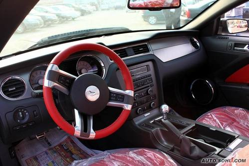 首试2010款福特野马GT高清图片