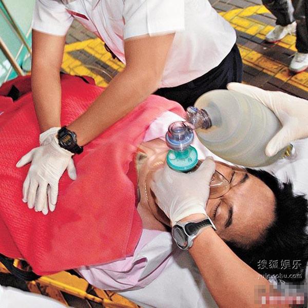 陈鸿烈昨午在电视城心脏不适,即送往将军澳医院抢救。