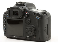 APS-C规格单反旗舰 佳能1800万像素7D上市