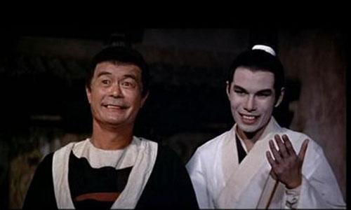 陈鸿烈(右)在《大醉侠》中饰演玉面虎