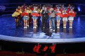 图文:亚运啦啦队选拔广州站 宇东激情开场