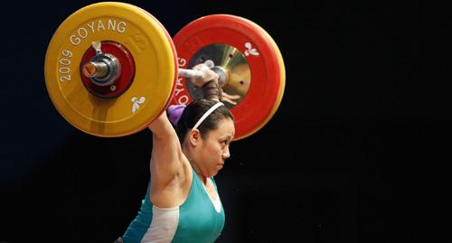 图文:世锦赛女子69公斤级 澳门张少玲目光坚毅