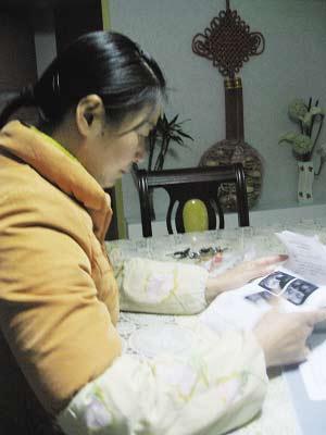 刘凤霞接受本报记者采访。 梅建明 摄