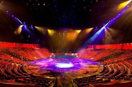 """Theater of Dreams""剧院将公演全球最大型之水上汇演 -""水舞间"",剧院可容纳约2,000名观众。"