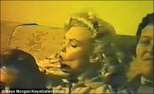 录像 玛丽莲/影片中玛丽莲/梦露正在吸食大麻