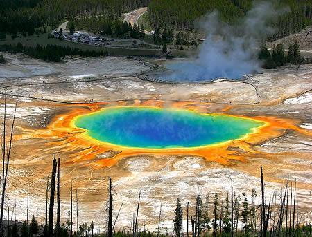 大棱镜温泉:美国最大的温泉